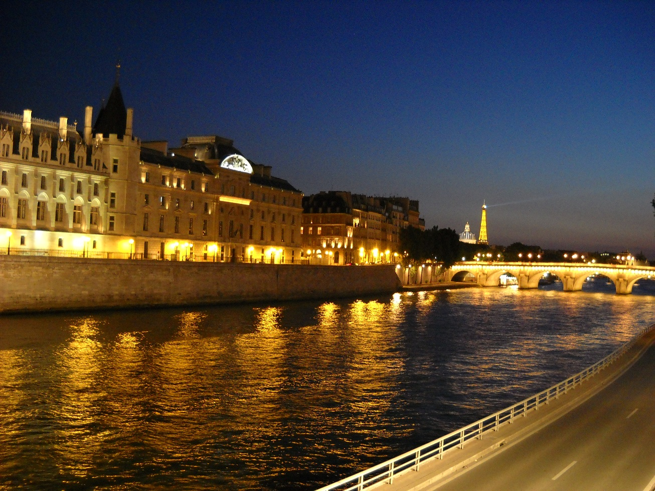 Sungai Seine Paris